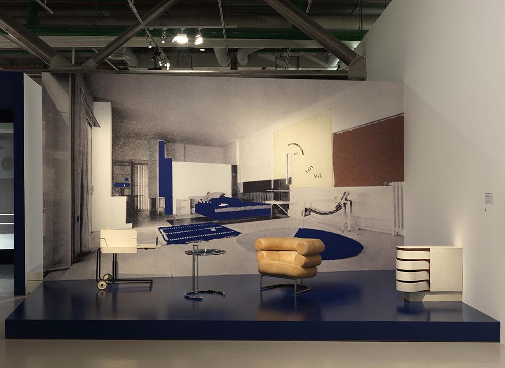 eileen gray. Black Bedroom Furniture Sets. Home Design Ideas
